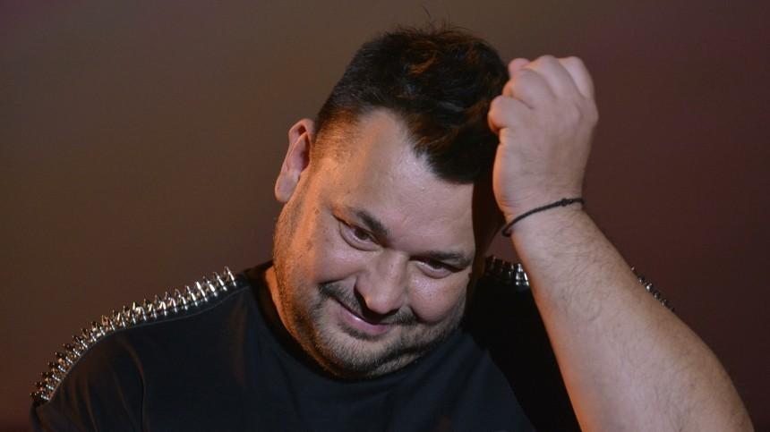 Недосмеха: Жуков закрыл прибыльный бар из-за пьяных дебошей звезд Comedy Club