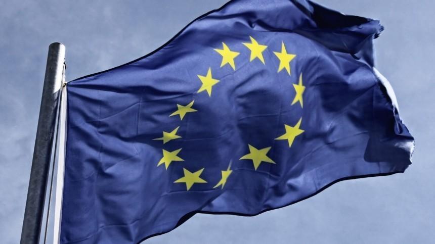 Главы МИД ЕСдоговорились расширить санкции против России