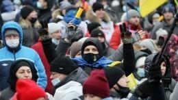 Звездный час Фемиды наУкраине традиционно завершился «ганьбой» иуличными боями