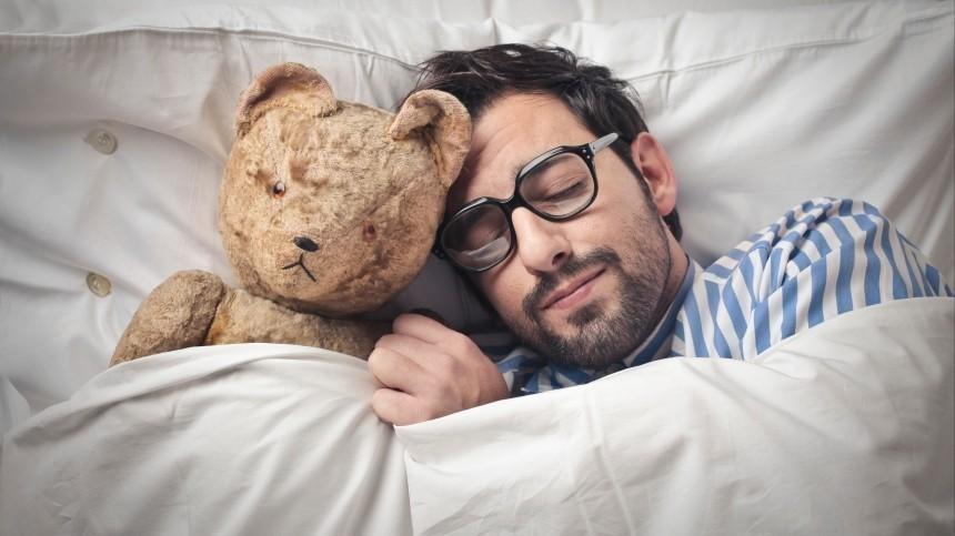 Почему нужно спать после прививки против COVID-19? —отвечает врач-сомнолог