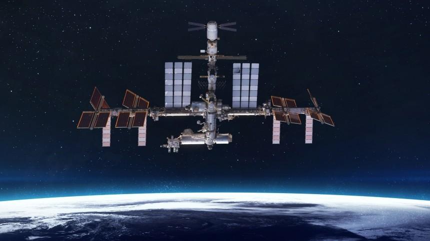 Вкорпусе российского модуля МКС насчитали неменее шести трещин