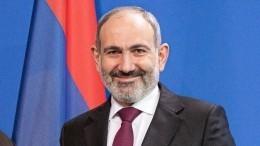 Президент Армении уволил поспорившего сПашиняном замначальника Генштаба