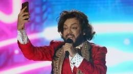 Киркоров перенес свои концерты нагод вперед
