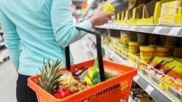 Получателям жилищных пособий предлагают выдавать продуктовые карточки