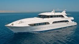 Видео: роскошная яхта протаранила берег наКарибах