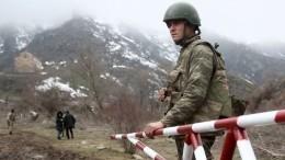 Шойгу обсудил сглавой Минобороны Армении обстановку врегионе иКарабахе