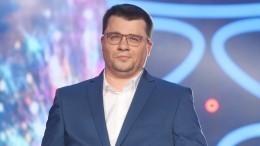 «Мне 40, дожил!»— Гарик Харламов отпраздновал день рождения ипоказал детское фото