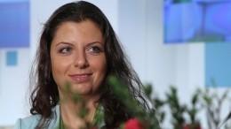 Похудевшая на20 килограммов Симоньян распродает свои наряды— фото