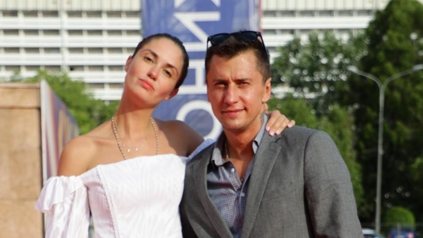 «Прилучный волшебник»: Карпович переплюнула Муцениеце впраздновании дня рождения