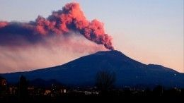 Стратовулкан Этна наСицилии активизировался инабирает силу
