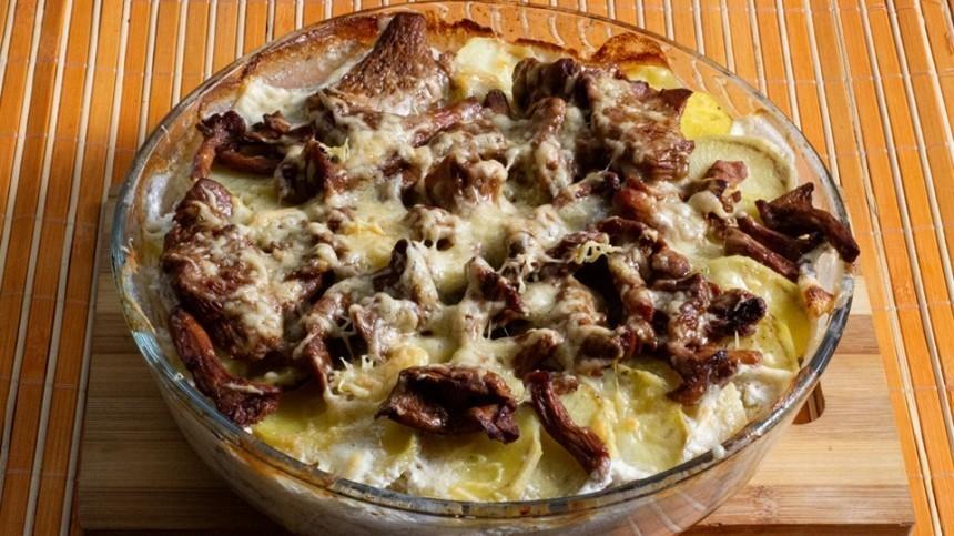 Как приготовить картофель, запеченный слисичками— пошаговый рецепт сфото