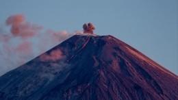 Извержение вулкана Ключевской спровоцировало мощный грязевой поток