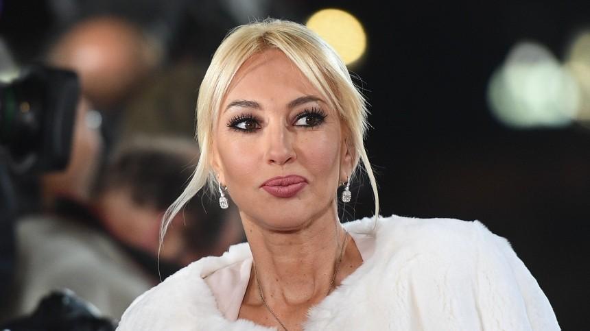 Лера Кудрявцева расплакалась при виде больного Сафронова сошрамом