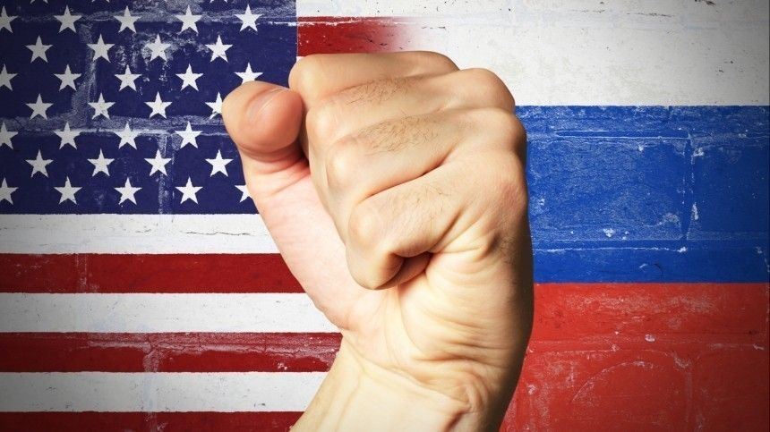 Захарова предложила России двигаться вперед без оглядки на«грязную возню» США