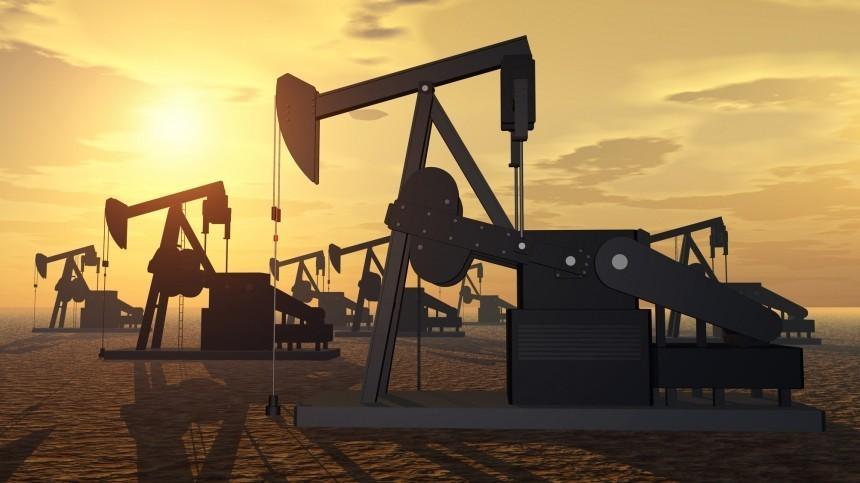 Страны ОПЕК+ согласовали рост добычи нефти России иКазахстана