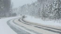 Натрассах вОренбургской области прекращено движение из-за метели