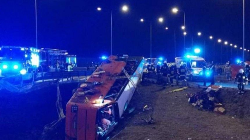 Шестеро украинцев погибли вДТП савтобусом вПольше