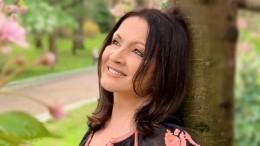 Пластический хирург раскрыл секрет молодости Софии Ротару