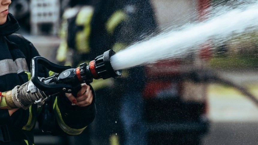 Эксклюзивное видео пожара нареке Обь вЮгре после прорыва напродуктопроводе