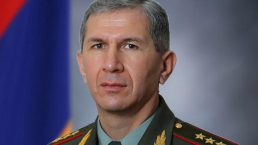 Пашинян заявил оботставке начальника Генштаба ВСАрмении Гаспаряна