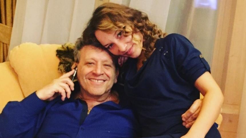 «Ябуду всегда рядом!»— вдова Грачевского опубликовала редкий снимок сосвадьбы