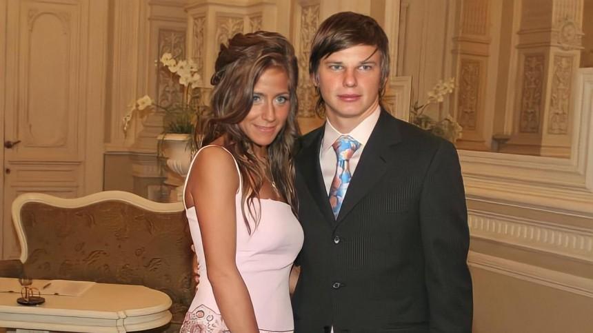 Это развод. ТОП-5 российских футболистов, которые невыгодно расстались сженами