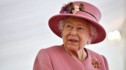 «Личный подход»: Елизавета II хочет помириться спринцем Гарри иМеган Маркл