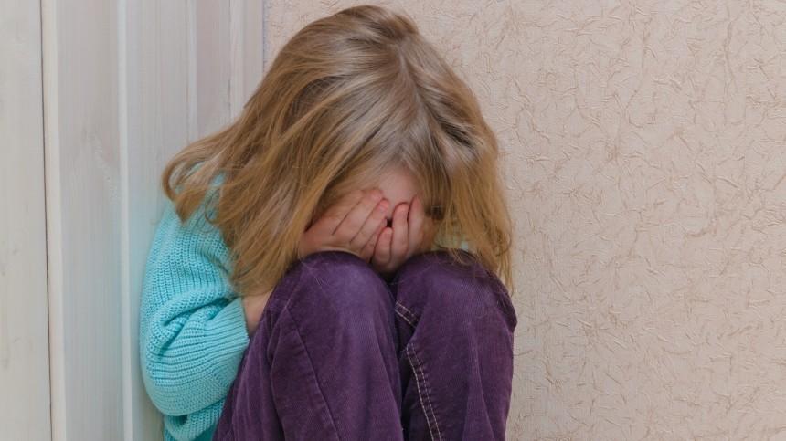 Жительница Петербурга снимала порно смалолетней дочерью ради денег