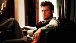 «Живу смамой»: Прилучный ушел отвопроса про роман сКарпович