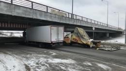 Мост невыдержал глупости: вПетербурге закроют проезд под знаменитой переправой