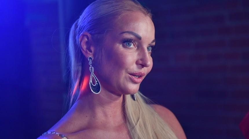 «Мне нужен мужчина»: Волочкова объяснила дочери, что неможет быть всегда рядом