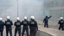 Кмассовым беспорядкам вБельгии привело видео задержания темнокожей девушки