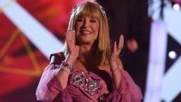 «Говорит опревосходстве»: стилист оценила необычный образ Пугачевой навечеринке