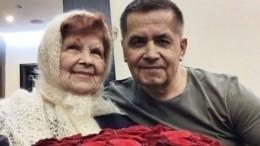 Николай Расторгуев показал фото с91-летней мамой веедень рождения