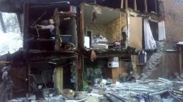 Стена столетнего жилого дома рухнула ранним утром вСамаре— видео