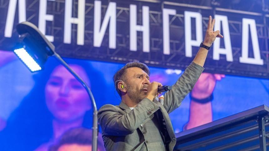 Норкин рассказал неприличный анекдот озапрете концертов «Ленинграда» вМоскве