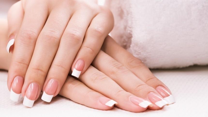 Окаких заболеваниях говорит изменение цвета ногтей— объяснил Мясников