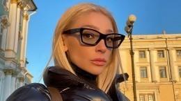 Крест за200 тысяч отПугачевой: сколько потратили звезды наподарки Ивлеевой?