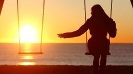 Таролог назвала пять признаков того, что наженщине лежит венец безбрачия