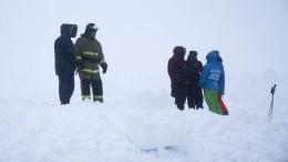 Попавший под сход лавины туристический отряд под Мурманском эвакуировали
