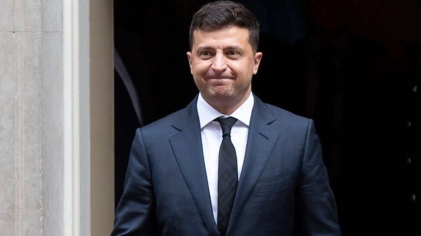 Сайт президента Украины случайно уволил Зеленского егоже распоряжением