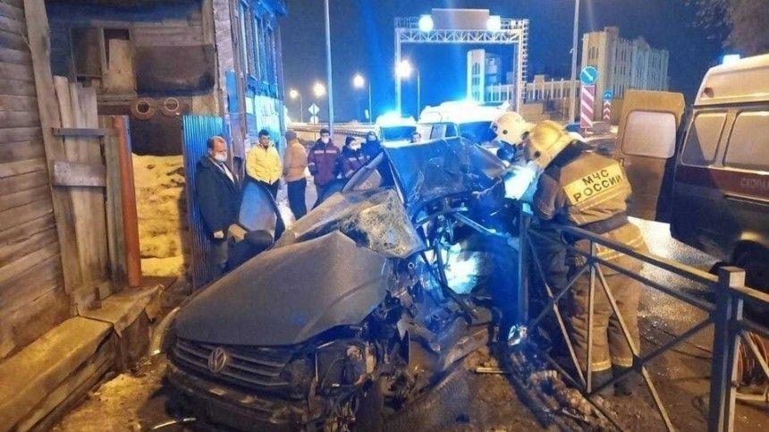 Видео: трое погибли вжутком ДТП синомаркой искорой вСамаре