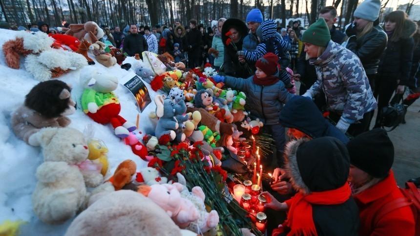 Годовщина «Зимней вишни»: вхрамах Кузбасса прошли поминальные службы