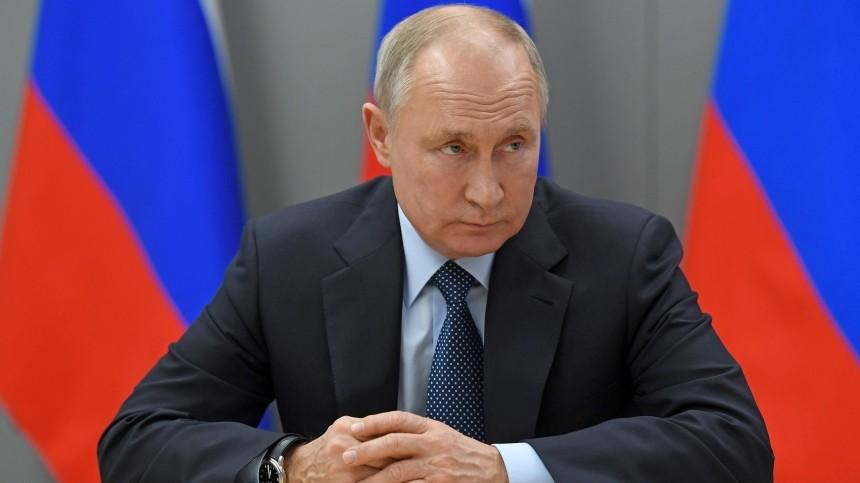 «Никому неговорю»: только лечащий врач знает, какой вакциной привился Путин