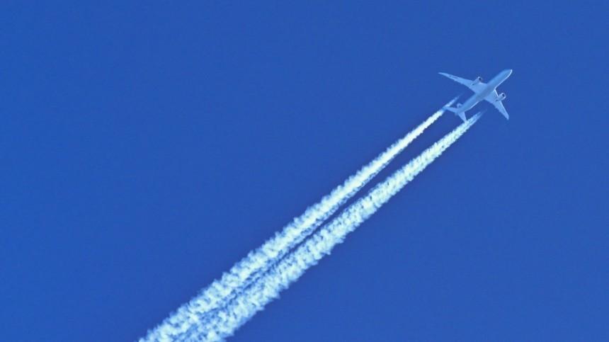 Самолет изМосквы готовится кэкстренной посадке вКраснодаре