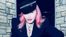 Мадонна внесла раскол вармию фанатов, опубликовав фото вБДСМ-наряде