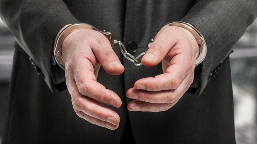 Отца директора ФБК* Жданова арестовали запревышение полномочий