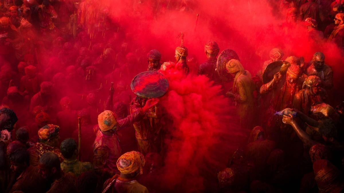 Фото недели: Протесты вАнглии иизвержение вулкана вИсландии