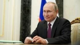 «Еще как!»— Песков рассказал опервоапрельских розыгрышах Путина вКремле