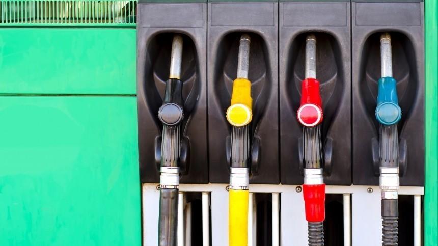 Замглавы Минэнерго Сорокин объяснил дорогой бензин при дешевой нефти